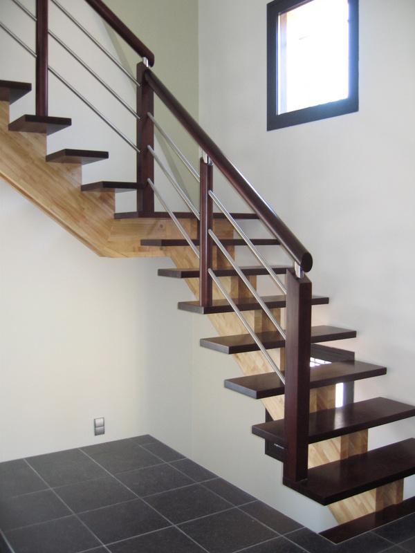 Escaliers atelier du piou b nisterie menuiserie marvejols - Transformer un escalier en bois ...