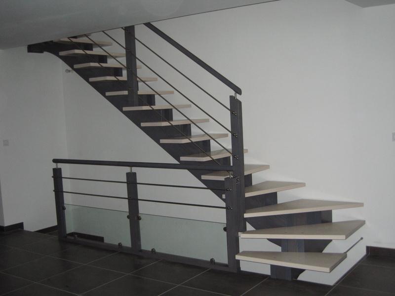 Escaliers atelier du piou b nisterie menuiserie marvejols - Escalier sans garde corps ...